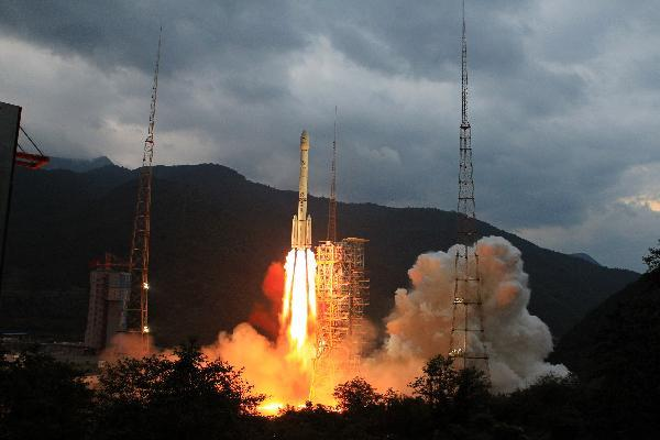 Lancement CZ-3C / Sonde Lunaire CE-2 à XSLC - Le 01 Octobre 2010 - [Succès] - Page 2 20101001100291