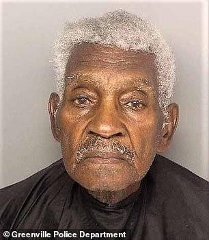 美國86歲老人蒙面搶銀行 因跑得太慢被當場抓獲