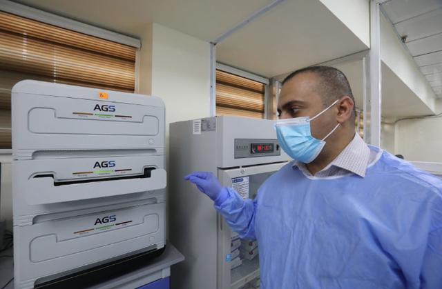 """实验室 超负荷运转100多天 这座中国援建实验室成了""""样板"""""""