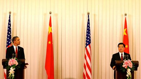 Chinese President Hu Jintao holds a press conference with visiting U.S. President Barack Obama following their official talks at the Great Hall of the People in Beijing on Nov. 17, 2009. (Xinhua/Li Xueren)