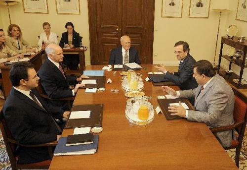 Greek President Karolos Papoulias (C) hosts the Greek National Council of political leaders at the Presidential Mansion in Athens, capital of Greece, on May 10, 2010. The Council was convened to discuss the economic crisis that has hit hard the country. (Xinhua/Phasma)
