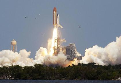 U.S. space shuttle Atlantis lifted off on May 14, 2010 from Kennedy Space Center in Florida. (Xinhua/Reuters File Photo)