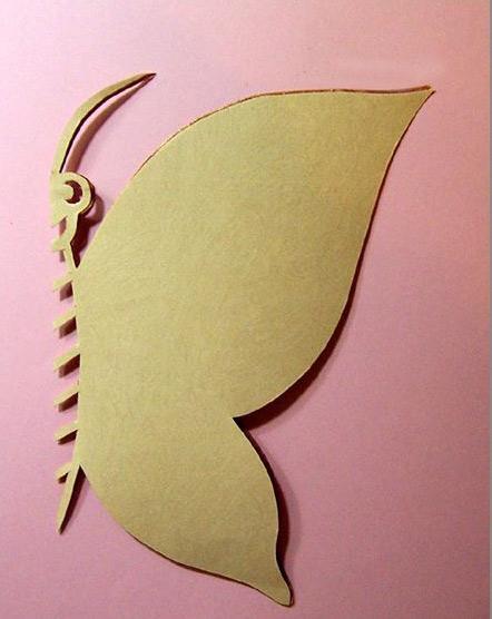 漂亮的蝴蝶剪纸方法步骤;