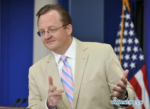 White House Press Secretary Robert Gibbs holds his daily press briefing in the Brady Press Briefing Room at the White House in Washington D.C., capital of the United States, Aug. 11, 2010. The White House said on Wednesday that the U.S. is on schedule to pull out all its combat troops in Iraq by the end of this month, after President Barack Obama met with his national security team earlier in the day on the situation there.   (Xinhua/Zhang Jun)
