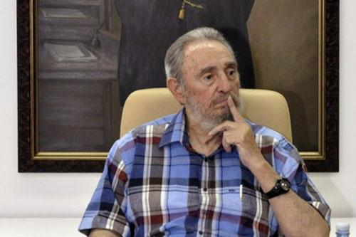 Former Cuban leader Fidel Castro listens to a question during a program on state television in Havana August 22, 2010. (Xinhua/Reuters File Photo)