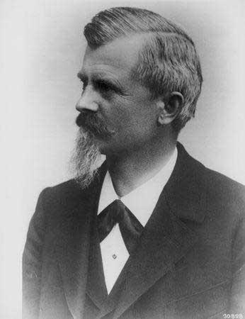 卡尔·弗里特立奇·本茨戴姆勒-奔驰汽车公司创始人