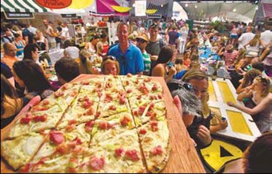 Foodies drive gourmet market boom in s africa cctv news for African cuisine braamfontein