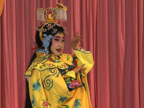 李亚桥同学表演《霸王别姬》