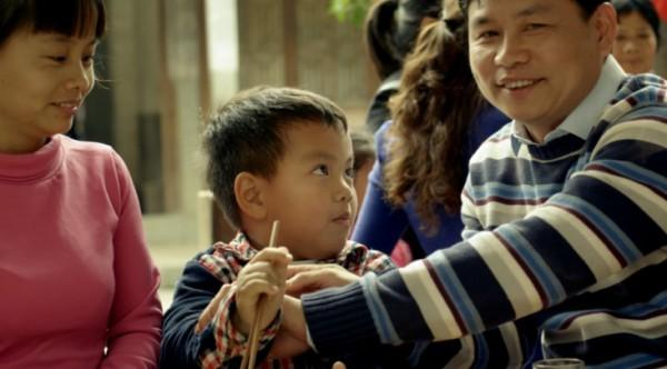 央视的公益广告《筷子》,历史在于传承,很感动,看哭了居然(D&G,滚出中国!滚出中国!)