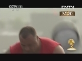 [2013大力士争霸赛]德克·凡·布奇科姆VS丹尼斯·扎格里斯 后抛啤酒桶 20130804