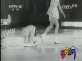 [爆笑体育]运动狂人 猩猩奇葩的花滑技巧