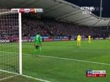 北京时间2015年11月18日,欧预赛附加赛次回合,斯洛文尼亚对阵乌克兰,上半场战罢斯洛文尼亚1-0领先。