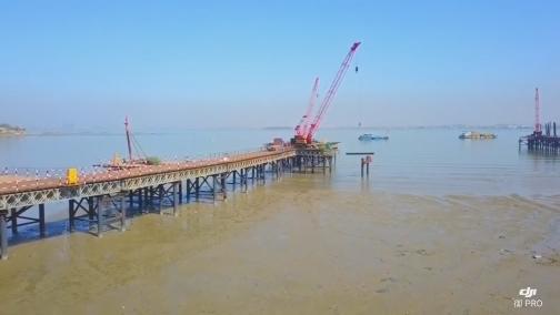 第二东通道今日展开全面施工 钢栈桥已入海近千米 00:01:06