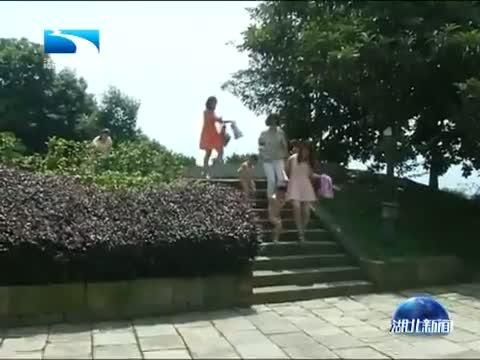 端午节 家国情 包粽子挂香囊 老习俗代代传