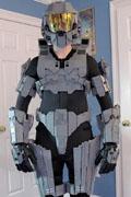 《光环》乐高版士官长盔甲完工 耗时半年(组图)