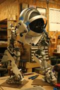 国外玩家手工打造《传送门2》机器人阿特拉斯