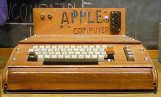 苹果老总的囧事:办公室挂海盗旗 忽悠同事下岗