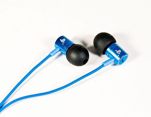 欧版PSV预定将赠送限定版耳机钱包