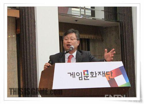 韩国多位问题游戏校园专家与探讨漫画原版海贼王暴力日语图片