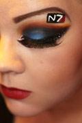 化妆达人妹子创作神奇游戏眼影