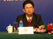 全国人大代表、广东省人大常委会副主任、省总工会主席邓维龙