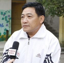保突小学校长陈宇平:尽职尽责确保学生安全