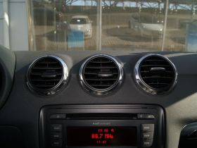 奥迪-奥迪TT中控方向盘图片