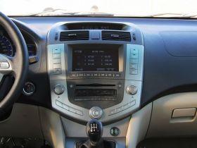 比亚迪-比亚迪S6中控方向盘图片