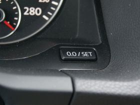 大众-Scirocco尚酷中控方向盘图片
