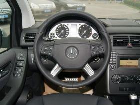 奔驰-奔驰B级中控方向盘图片