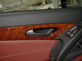 奔驰-奔驰SL级车厢内饰图片