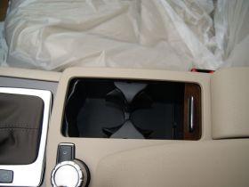 奔驰-奔驰C级车厢内饰图片