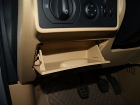 奇瑞-奇瑞A3车厢内饰图片