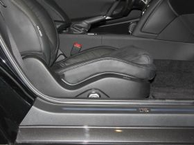 日产-日产GT-R车厢内饰图片