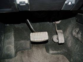三菱-帕杰罗(进口)车厢内饰图片