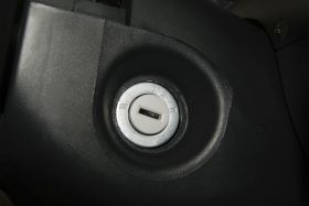 雪佛兰-乐驰中控方向盘图片