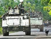 菲律宾军人驶往马京达瑙省