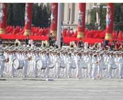 天安门广场上军乐团进行演奏