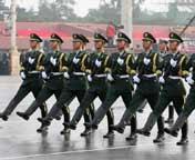 参阅装甲车方队准备受阅