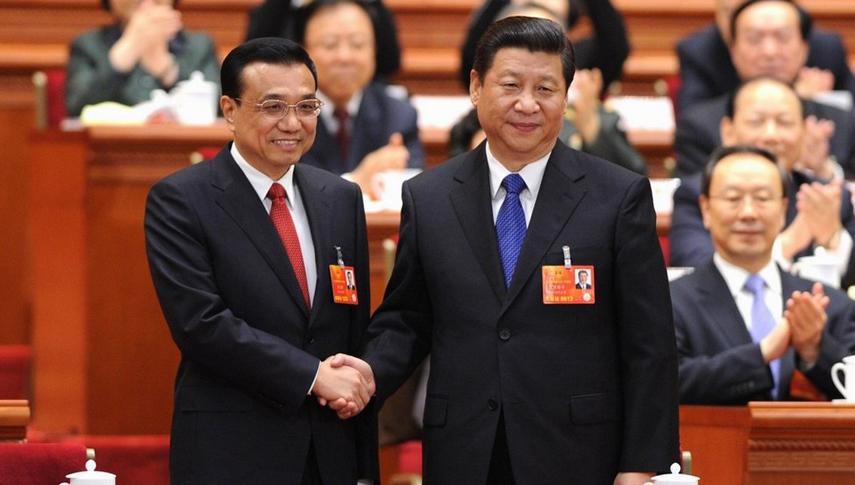 李克强出任国务院总理 习近平与李克强握手