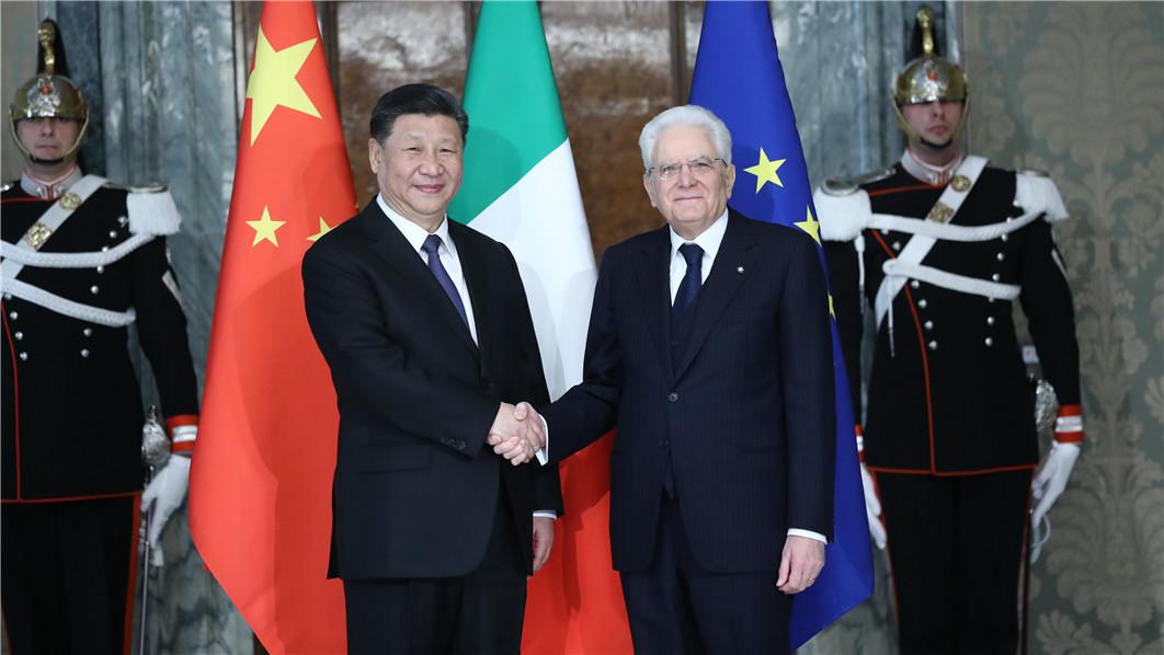 习近平总书记同意大利总统举行会谈