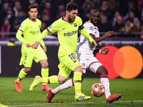 [欧冠]1/8决赛:里昂0-0巴塞罗那 比赛集锦