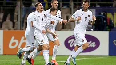 [圖]歐預賽-貝洛蒂世界波 意大利3-0波黑九連勝