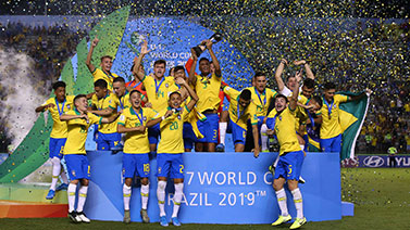 [圖]拉薩羅獻絕殺 U17巴西2-1墨西哥奪世青賽冠軍