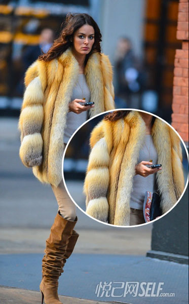 巧穿皮草大衣 打造冬日高挑形象