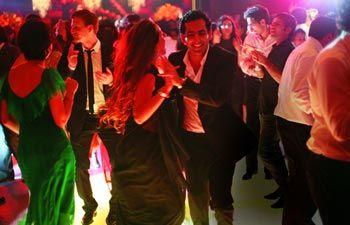 德里一个订婚庆祝活动以爱马仕和香奈儿为主题。