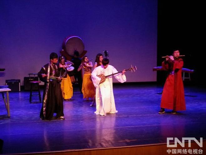 """北京现代音乐学院""""幻音彩乐""""新民乐系专场演出   北京现代音乐学院新民乐系将于12月12日在北京现代音乐学院528剧场举行""""幻音彩乐""""新民乐系专场汇报演出。   本次演出包含西域、古典、流行、hip-pop、爵士等各类风格迥异的大胆探索与尝试。乐曲以及乐曲形式的创新、改编,演奏、舞蹈、演唱相结合的饕餮盛宴。   新民乐教研室在北京现代音学院的正确领导下,在音乐教育学院新民乐系赵琛主任的具体指导下,由杨楠楠,金美子,刘健,陶美廷、林子涵、高媛、王巍老师组成的"""