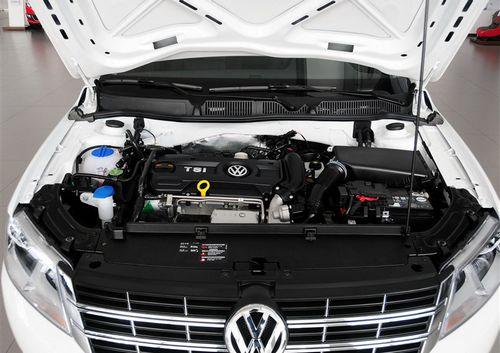 全新朗逸共有兩套動力系統提供給您,分別是入門的1.6L自然吸氣發動機和高配的1.4T渦輪增壓發動機。其中與1.4T發動機搭檔的為5擋手動變速箱和7擋雙離合變速箱,而1.6L車型則搭配了5擋手動和6擋手自一體變速箱的組合。