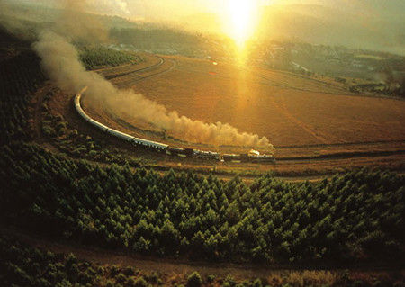 路过高山、湖泊 坐火车叹世界