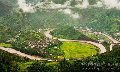 太极锁水图是云龙县一个标志性景点,去诺邓村的人都会绕道去看看。 赵汀 摄影